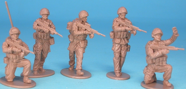 British Forces LInfantry Patrol 8 Figuren Operation Herrick 1:48 Airfix   A03701