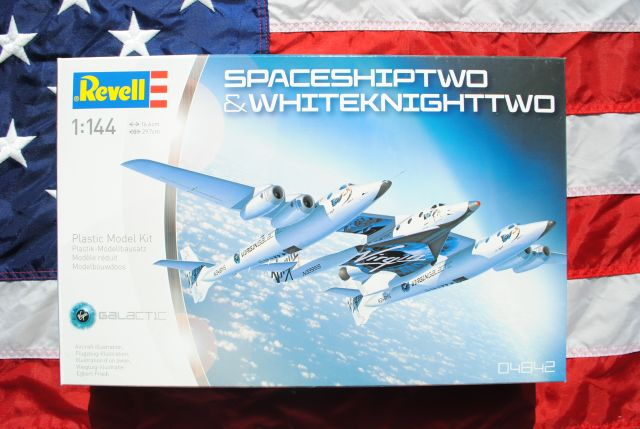 Pre-Built & Diecast Models Revell Space Ship Two and White