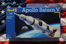 Revell 04909  Apollo Saturn V
