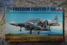 ESCI 9032 FREEDOM FIGHTER F-5A