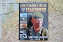 HC. 2-913903-06-1  FRENCH FOREIGN LEGION PARATROOPERS