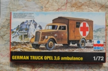 ESCI 8035 GERMAN OPEL BLITZ AMBULANCE