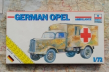ESCI 8342 GERMAN OPEL BLITZ AMBULANCE