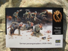 Master Box LTD. MB3518  German Panzergrenadiers 1939 - 1942