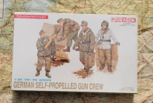 DML6015  GERMAN SELF-PROPELLED GUN CREW