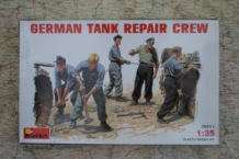 MA.35011 German Tank Repair Crew