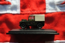 76LAN188022 Land Rover 1 88' Canvas