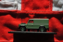 "76DEF003  Land Rover Defender ""Military"""