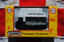 Classix EM76669 NCB Electric - Milk Float Express Dairies - open  cab