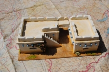 HMiH 24 Ruined Wartime Desert Building African Scenery with Removeble Roof