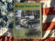 CO.7038  US Light Tanks at War 1941-1945