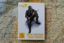 HäT.8262  WW2 GERMAN TANK RIDERS