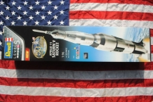Revell 03704 Apollo 11 SATURN V ROCKET