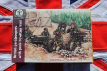 Waterloo 1815 AP036 British Paratroopers with Pack Howitzer WWII