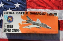 ICM 482 F-100 North American F-100 Super Sabre 'extra battle damaged'