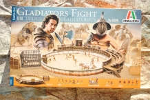 Italeri 6196 GLADIATORS FIGHT 'Ludus Gladiatorius'