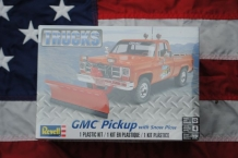 Revell 85-7222 GMC Pickup with Snow Plow