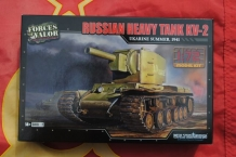 Forces of Valor 873003A Russian Heavy Tank KV-2
