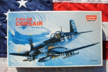 Academy 2124 Vought F4U-4B Corsair